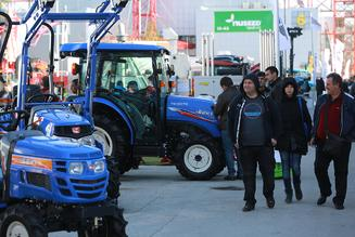 AGRA fair: Strong interest in the new series of Japanese ISEKI tractors